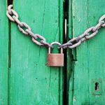 Risico's aan het sluiten van een deur zonder sleutel